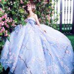 「ロケーションフォト」「前撮り」「海外リゾート」などで映える華やかなカラーウェディングドレス3着!